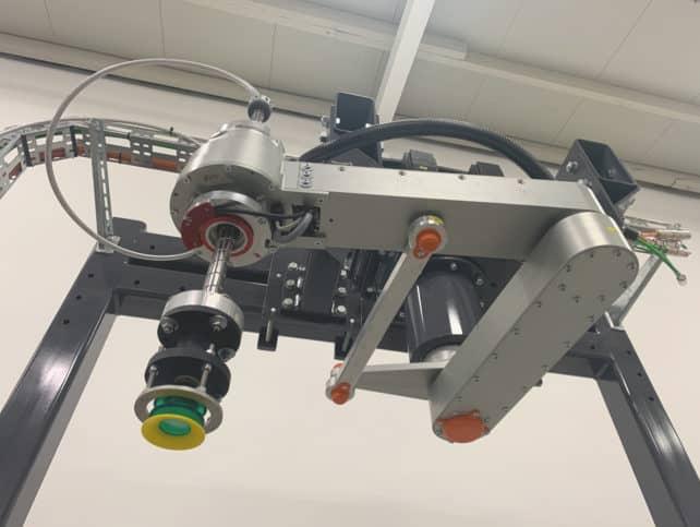 Wahlweise mit mehr Hub oder erweitertem Radius kann der Kinematik-Picker mit enormem Arbeitsraum agieren.