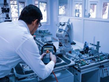 Forschung und Entwicklung im TRAPO Technikum: Automatisierte Anlagen, ein Höchstmaß an Effizienz, Flexibilität und Wiederholgenauigkeit.